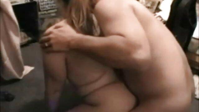 Sexy bionda pornissimo hd rondini rubinetto