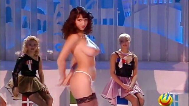Sexy lesbiche monique Alexander e Scarlet rosso video orno hd passione carezze