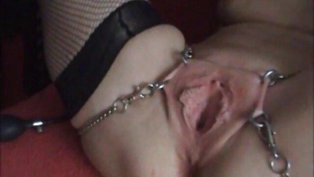 Fragile giovane ragazza è scopata da una filmulete porno gratis hd persona con una macchina abbastanza grande