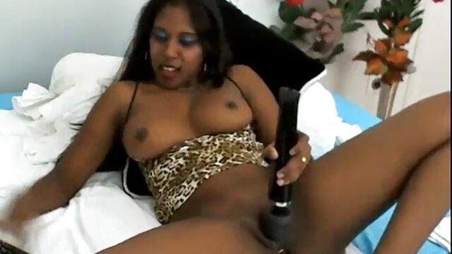 Lussuriosi tizio scopa un magro filme online por babe e cums nella sua figa