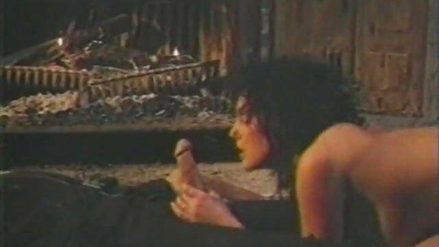 La cagna masturbazione film italiani porno hd nella parte anteriore della webcam seguire il suo anale