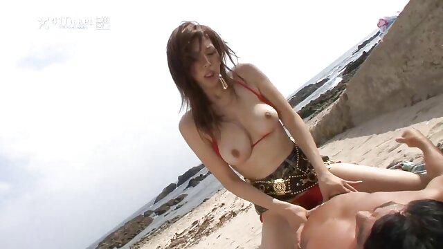 Petra ora sa che video porno in alta definizione le piace farsi scopare da due uomini