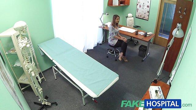 Skinny bruna Sasha film hard free hd rose gioca con un dildo nel culo prima del sesso anale